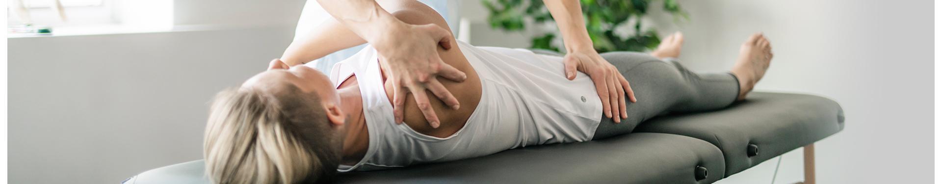Pomoc lekarza podczas rehabilitacji